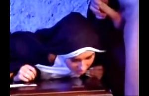 Go west versaute nonne 1