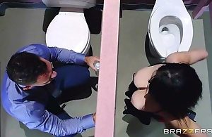 Brazzers - noelle easton dote on go to the powder-room gloryholes