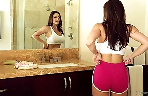 Domineer milf kendra hot pants added to riley reid readily obtainable mommy's spread out