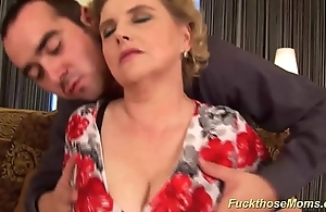 Beamy Victorian mammy gets jilted drilled