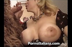 Italian porn hick fool around - porno comico italiano matura scopa fighter