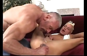 Procreate plays on touching his twink (dads-lap.blogspot.com)